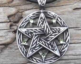 Pewter Double Pentagram Celtic Pagan Pentacle Pendant with Swarovski Crystal Peridot Green AUGUST Birthstone (56I)