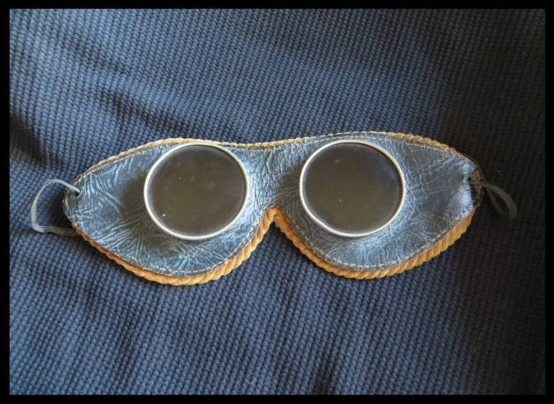 5ad2b7a8c78 Classic Antique 1930s Vintage Welding Viewing Goggles  METAL