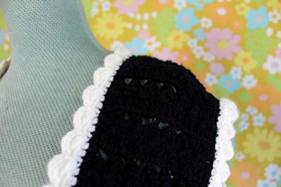 Vintage 1960's Handmade Crochet Knit Black White … - image 7