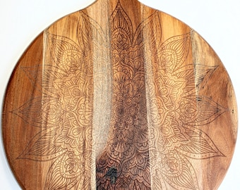 Woodend Engraved Cheeseboard | Pizza Board -  Sansun