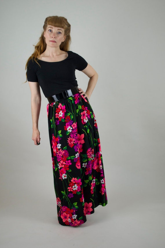 Vintage 60s maxi skirt. 1960s floral maxi skirt. H