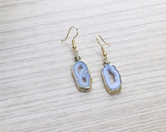Agate Geode Earrings, Drop Earrings, Grey Tone Earrings, Spiritual Jewelry in Gold Tones, Crystal Quartz Geode, Crystal Earring