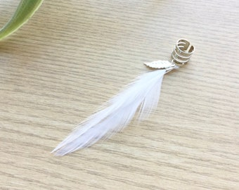 Feather Ear Cuff, Ear Clip, Silver Cuff, White Feather Jewelry, Boho Style, Stocking Stuffer, Hippie Style (SINGLE)