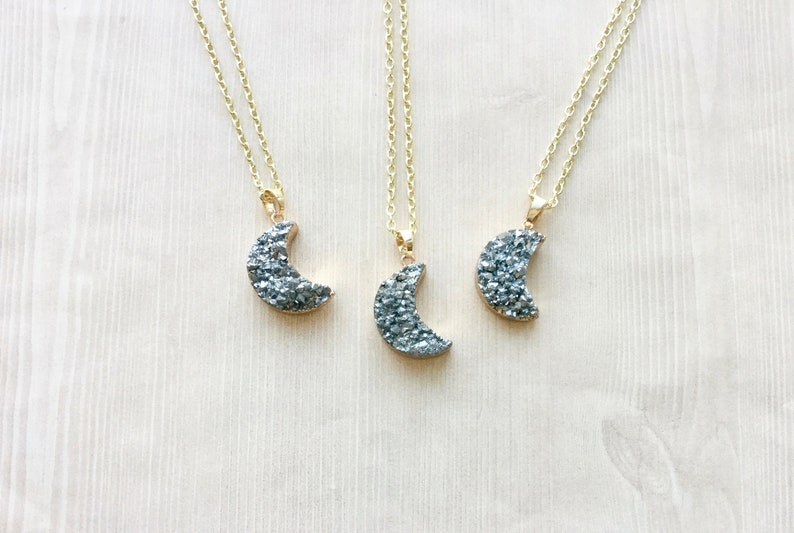 Metallic Druzy Crystal Necklace in Soft Gray and Gold image 0