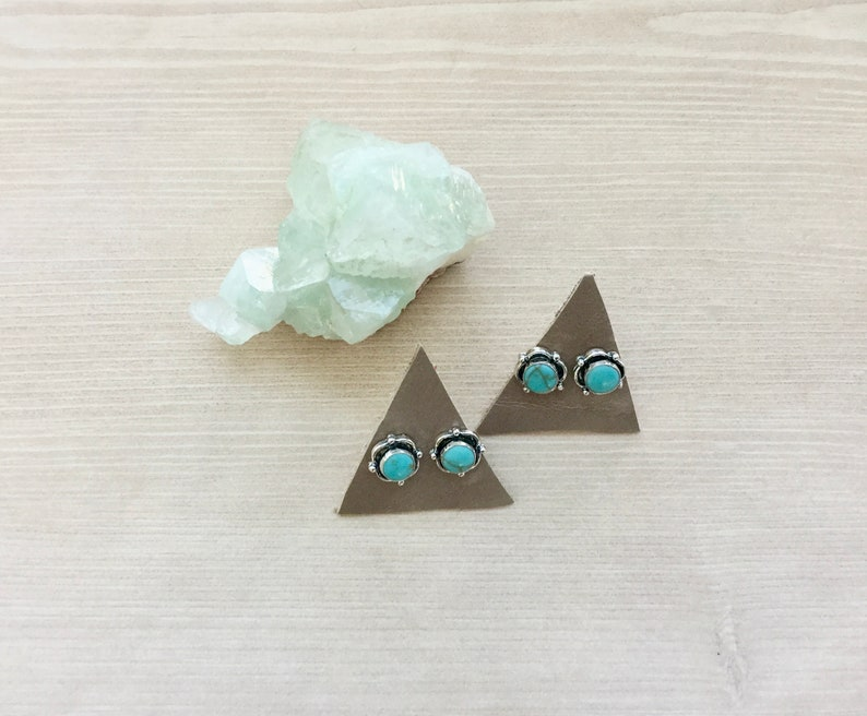 Sterling Silver Stud Earring Turquoise Blue Earrings Circle image 0