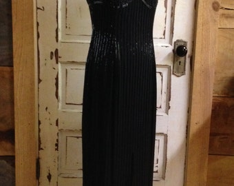 5315e3d69a88c Della Roufogali Black Beaded Gown