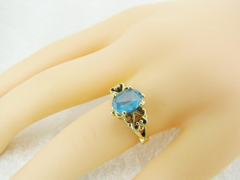 Unique Blue Crystal Ring Filigree Heart and Blue Solitaire Gemstone Ring Estate Jewelry Size 6 12 Dainty 14K Gold /& Blue Topaz Ring