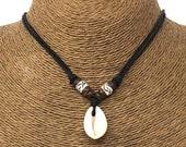 Hawaiian Shell Necklace - Natural Seashell Necklace - Sea shell Necklace - Cowrie Shell Necklace - Cowry Shell Necklace- Shell Choker Black