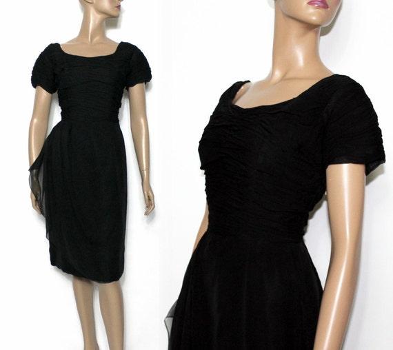 7a6176755 Década de 1950 vestido negro vestido de cóctel del diseñador | Etsy