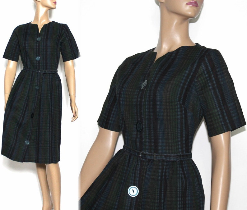 Big button vintage dress