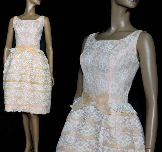 Vintage 1950s Dress // Party Dress//Pink// Peach//