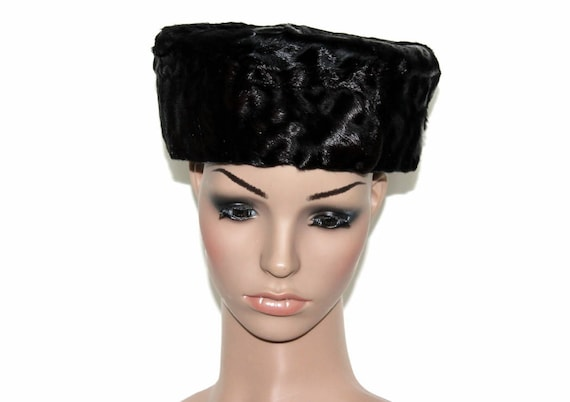 Vintage 1950s Hat  Black Pillbox   50s Pillbox Hat  Faux Fur    4bf4d438ae7