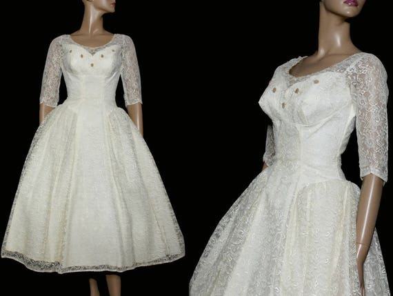 Vintage 1950s Wedding Dress // Lace// Seed Beads//