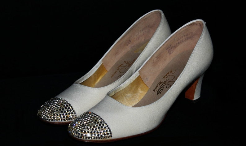 c7558ca3aa8ef Vintage 1960s Shoes - Designer Juliano Hand Made - Wedding Shoes -  Rhinestone Toes - Ivory - Party Shoes - 60s Heels