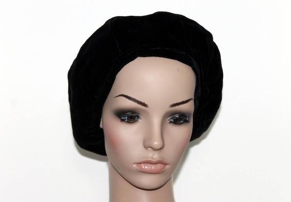 Vintage 1940s Black Hat// Tam Hat// Snood// Velvet