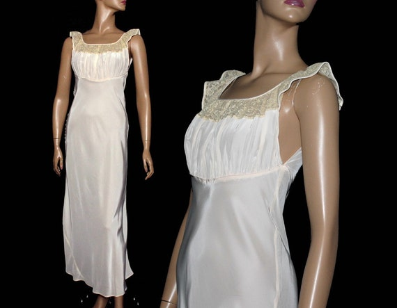 Vintage 1930s Gown// Light Pink Gown// Bias Cut//