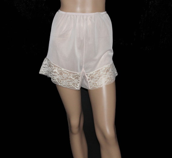 Vintage 1940 Tap Pants -  Pink - Sheer - Nylon - D