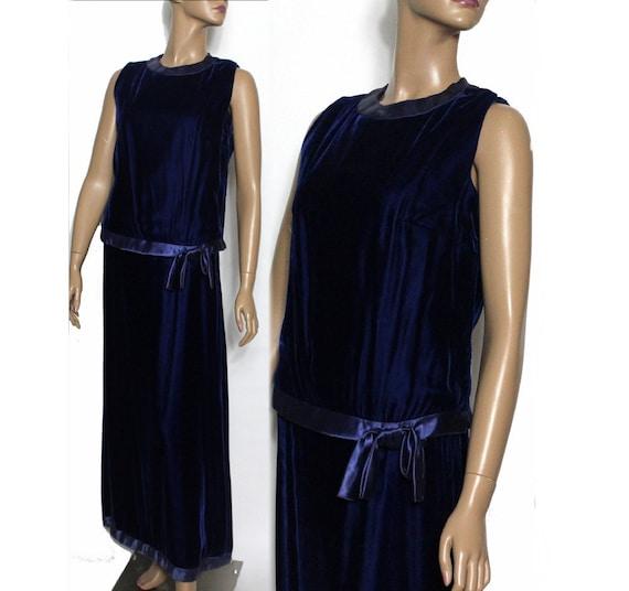 Vintage 1930s 1940s Blue Velvet Vouge Gown