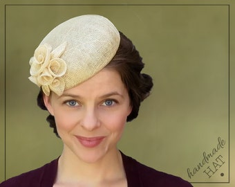 """HAT - Beatrice - Natural Straw Sinamay Fascinator Wedding Cocktail Hat - For Head Sizes 21""""-23"""""""