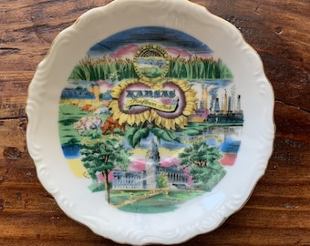 VINTAGE PLATE, Kansas, The Sunflower State, Famous Attractions, Decorative Gold Edge