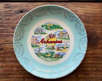 VINTAGE PLATE, Arkansas, Famous Attractions, Blue Gold Outer Embellishment