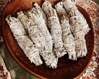 WHITE SAGE BUNDLE (5-6 inches, Ceremonial Sage, Purify, Energy Cleansing, Sacred Tool, Bug Repellent)