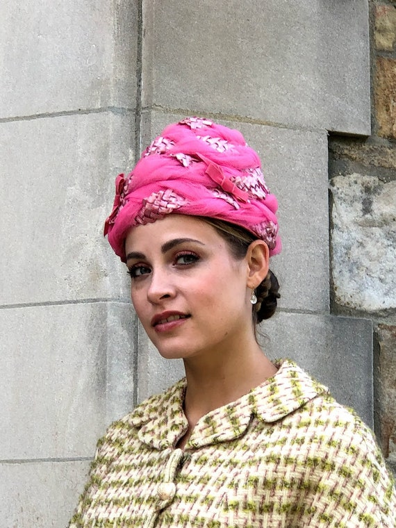 1950s 1960s Pink Straw & Tulle Turban Hat - image 2