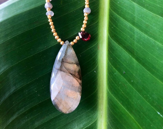 Labradorite Protection Necklace by Liquid Sunshine