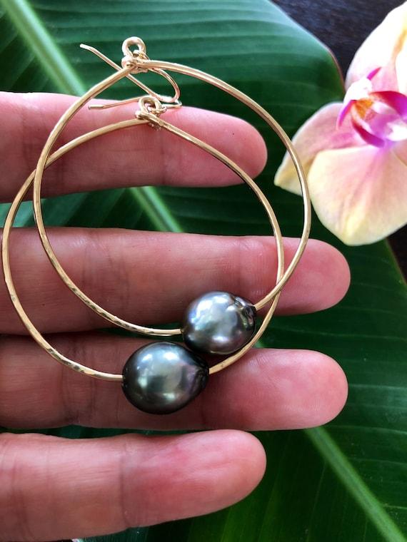 Large Tahitian Pearl Hammered Gold Hoop Earrings
