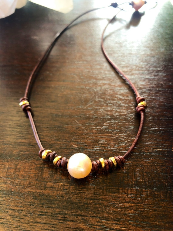 Knotted Leather Pink Pearl Choker