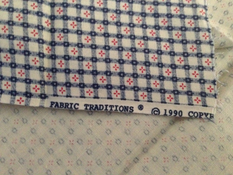 2 yards Vintage Cotton Fabric with Flower GridChecked Design by Fabric Traditions 1990 44 Wide
