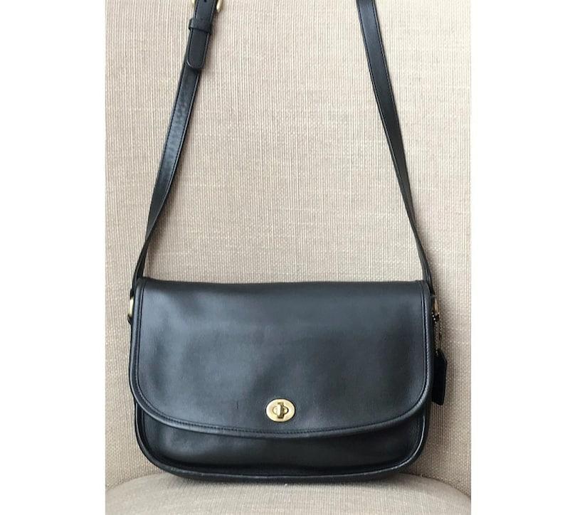 c6f49f26199e Vintage Coach City Black Crossbody Handbag 9790
