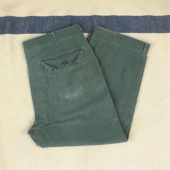 Size 40 x 26 Vintage 1960s OG 107 Green Cotton Sat