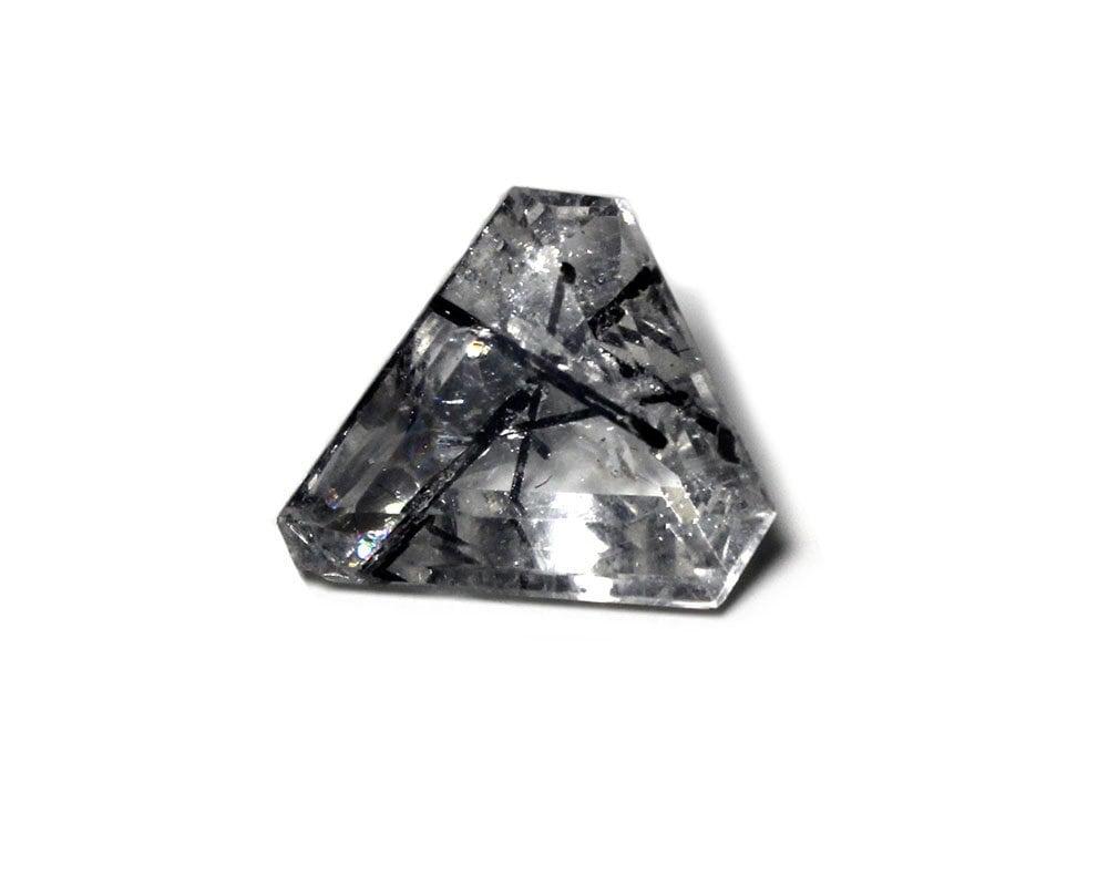 Tourmaline Quartz noire Quartz Tourmaline inclus Triangle coupées et polies à facettes bijoux de pierres précieuses a9dccb