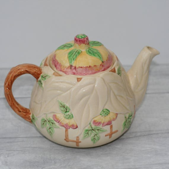 Made in Staffordshire England Beech Pattern Vintage Brentleigh Ware Teapot