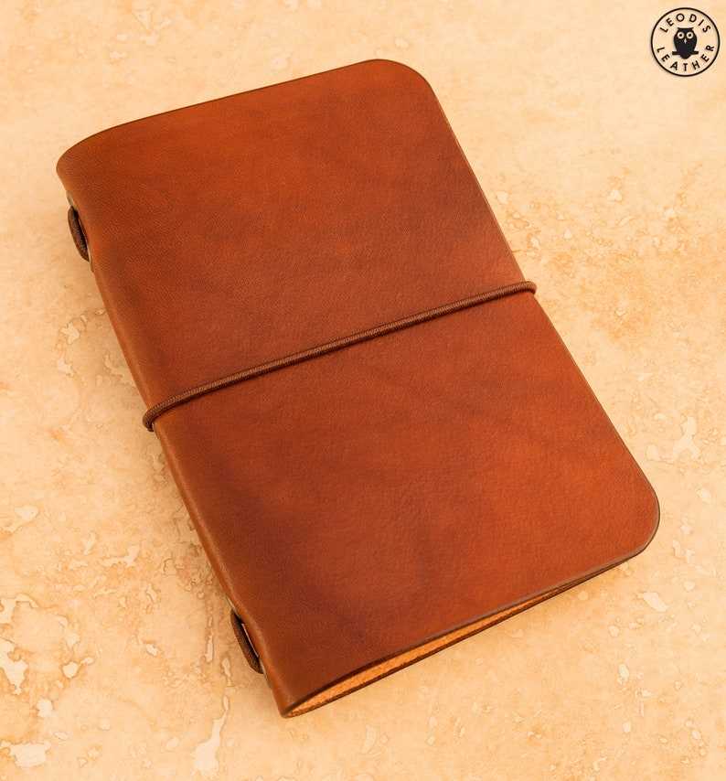 Leather Midori Passport Traveller's Notebook Cover image 0