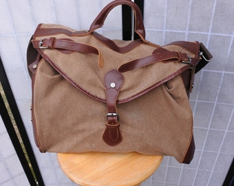 Waxed Canvas & Leather Weekender Bag