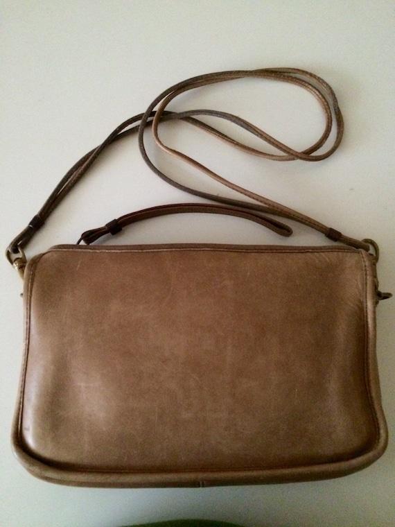 "No 9560 Coach ""Leatherware"" NYC 1970's Tan Bonnie"