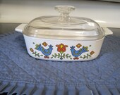 Vintage Pyrex Covered 1 Qt Baking Dish ( Friendship Pattern) 1975 Free Shipping.