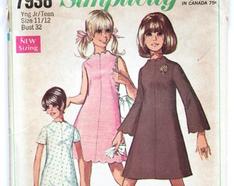 Teens/Juniors Sewing Pattern Vintage 1960s A Line Scalloped Shift Dress Sewing Pattern Size 11/12 Simplicity 7938 Bust 32