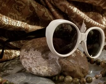 Vintage White Frame Adrienne Vittadini Sunglasses Brand New with Tags