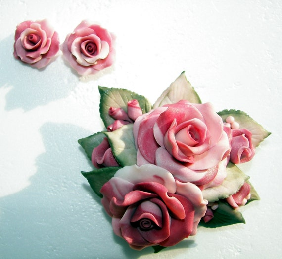 Large Flower Rose Bouquet as a Brooch or Pendant with realistic pink roses and lihgt green leaves