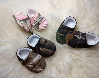 Mossy Oak or Realtree Slipper/Moccs, Crib Shoes, Toddler Moccs, Kid's Slippers, Soft Sole Women's Slippers, Baby Gift, Gift for Women
