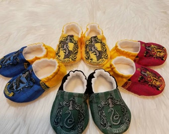 Harry Potter Crest Slipper/Moccs, Crib Shoes, Toddler Moccs, Kid's Slippers, Soft Sole Women's Slippers, Baby Gift, Gift for Women