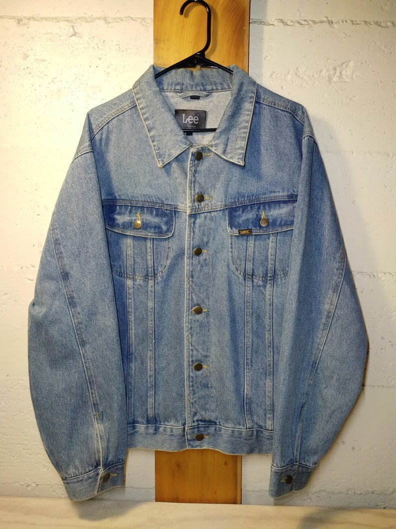 12cbd6e50c1 Vintage Lee Denim Jacket Men s Large Soft Worn-In Jean