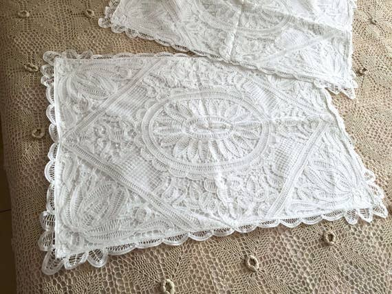 A Pair of Shabby Chic Cotton Handmade Battenburg Lace Pillow Cases//Pillow Shams