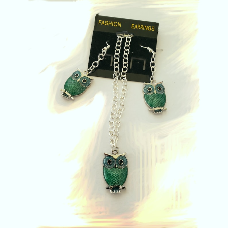 Owl  with silver chain with green set  bracelet and earrings image 0