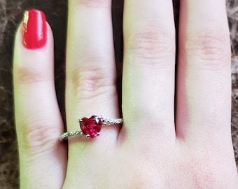 15442dee51136 Ruby heart ring | Etsy