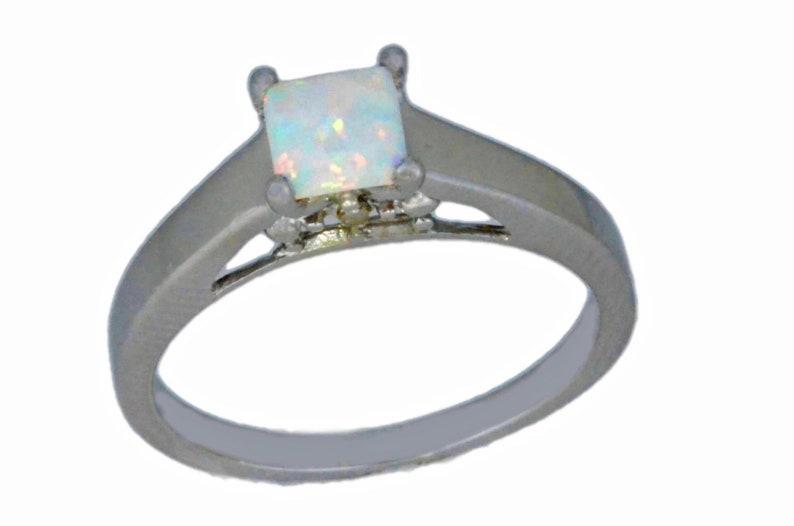 14Kt Gold Opal /& Diamond Princess Cut Ring