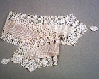 Table Runner , Cream Crochet Runner, Ivory Colored Table Runner